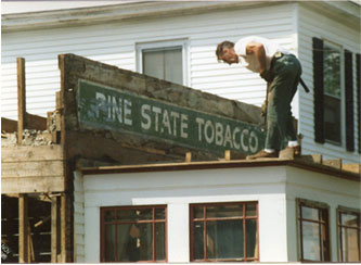 The original Pine State sign